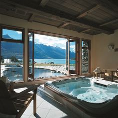 Blanket Bay Lodge, Glenorchy, New Zealand. Our friends at Blanket Bay Lodge know the best places to put hot tubs Future House, Dream Bathrooms, Beautiful Bathrooms, Luxury Bathrooms, Romantic Bathrooms, Luxury Bathtub, Beautiful Homes, Beautiful Places, Amazing Places