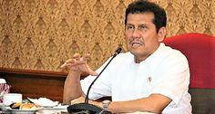 Menteri PANRB Asman Abnur selaku Ketua BAPEK memimpin sidang BAPEK, di kantor Kementerian PANRB, Jakarta, Senin (19/2) lalu.  JAKARTA , 21 Feb 2018 –Sidang Badan Pertimbangan Kepegawaian (B…