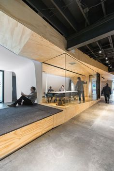 Monumental architectural object unites an LA office by Domaen