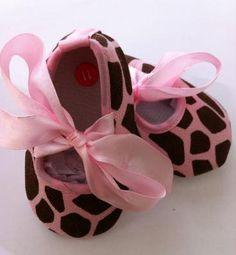 Giraffe ribbon crib shoes NIP Free Ship 3-6M