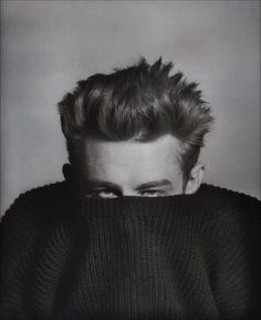 phil-stern-james-dean-in-sweater-1955.jpg (1602×1963)