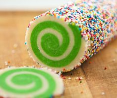 spiral sugar cookies originally from sprinklebakes. This is the best recipe of all of them. Cookie Desserts, Just Desserts, Cookie Recipes, Delicious Desserts, Dessert Recipes, Yummy Food, Cookie Favors, Tasty, Spiral Sugar Cookies