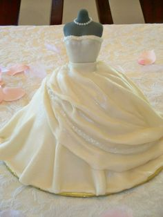 "Dress Cake Dress cake for a client. ""Diamond white"" fondant and cake sparkles at the top of the dress and on the swag. Wedding Gown Cakes, Wedding Cakes With Cupcakes, Cupcake Cakes, Cupcake Ideas, Bridal Gown, Dress Wedding, Fondant, Beautiful Cakes, Amazing Cakes"