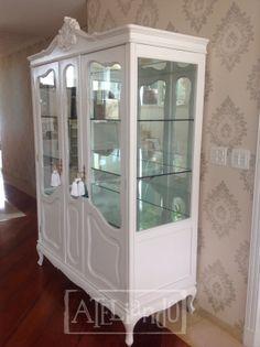 Ateliando - Customização de móveis antigos Quer criar, customizar, restaurar algum móvel antigo? Fale com nosso atelier ateliando@ateliando.com.br