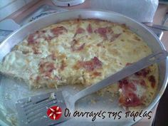Great recipe for Makaronopita the easy. This recipe for pasta pie is literally so quick and easy that even a young child can make it. Recipe by ΣΕΦΙΤΣΑ Cookbook Recipes, Pasta Recipes, Snack Recipes, Cooking Recipes, Snacks, Yummy Recipes, Pasta Pie, Sliced Ham, Learn To Cook