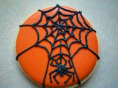 Spider on Orange cookie Halloween Wishes, Halloween Goodies, Halloween Desserts, Halloween Cakes, Halloween Treats, Halloween Spider, Halloween Cookies Decorated, Halloween Sugar Cookies, Halloween Baking