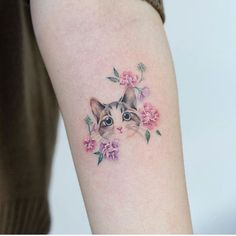 cat tattoo design - cat tattoo design Drawings - Focus on sharing Tatto Cat, Cat And Dog Tattoo, Cute Cat Tattoo, Dog Tattoos, Body Art Tattoos, Sleeve Tattoos, Tatoos, Pretty Tattoos, Cute Tattoos