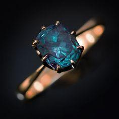 RARE carats of the Russian Ural Alexan . - RARE carats of Russian Ural alexandrite – an old ring Antique Jewelry, Silver Jewelry, Vintage Jewelry, Silver Rings, Bling Bling, Sea Glass Jewelry, Jewelry Rings, Fine Jewelry, Jewellery