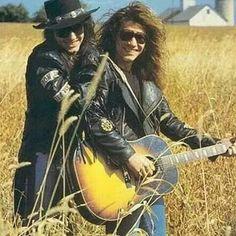 Richie Sambora and Jon Bon Jovi circa 1991. @mattdillon_bonjovi | Instagram.