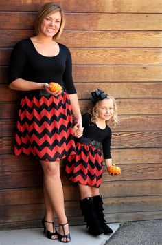 For a HUGE assorotment of the cutest Mommy and Me… Mother Daughter Pictures, Mother Daughter Matching Outfits, Mother Daughter Fashion, Twin Outfits, Stylish Outfits, Kids Outfits, Mommy And Me Dresses, Mommy And Me Outfits, Cute Fashion