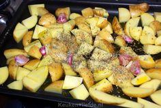 Haal de smaak van Griekenland op je bord met deze verrukkelijke ovenaardappels! Maak de maaltijd compleet in stijl af met deze gemarineerde Griekse kipspiesjes. Hoofdgerecht - 4 personen - 10 minuten + 45 minuten oventijd Ingredienten 1,5 kilo vastkokende aardappels 1 bol knoflook Sap van een halve citroen Extra vierge olijfolie 100 ml droge witte…