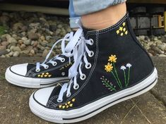 Stars and Flowers Embroidered Converse Hand embroidered converse wit. - Stars and Flowers Embroidered Converse Hand embroidered converse with a bundle of flowe - Mode Converse, Diy Converse, Converse Style, High Top Converse, Dress And Converse, Cute Converse Shoes, Colored Converse, Converse Sneaker, Galaxy Converse