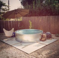 31 Clever Stock Tank Pool Designs and Ideas Stock Pools, Stock Tank Pool, Metal Stock Tank, Fresco, Metal Pool, Blow Up Pool, Piscine Diy, Diy Swimming Pool, Pool Fountain