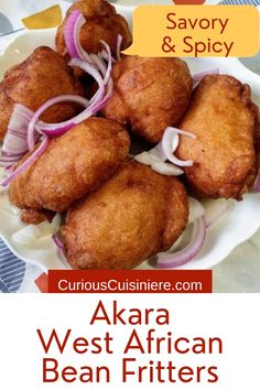 Savory and spicy. Light and fluffy with a crunchy exterior. Akara black-eyed pea fritters are a much-loved breakfast food from West Africa. Brunch Recipes, Breakfast Recipes, Diabetic Salads, Pea Fritters, African Peanut Stew, Delicious Desserts, Yummy Food, Best Party Food, Ethnic Food