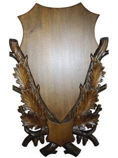 This is a finely detailed handmade Plaque for Fallow deer and Whitetail it also fits other similar size deer species and White Tail with small cut skull. All items are made of carefully selected quality solid timber with high grade grains. Every pieces 100% handmade and carved before it stained and sealed off with 3 layers of quality varnish. There is a built in hanger on the back side so it is ready to go on the wall.  We also make customized plaques for Shoulder mounts for both African and…