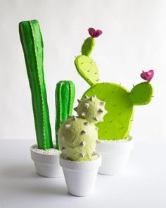 15 DIY Cactus Crafts - No Watering Required - DIY Candy Looking for a cute plant project that is guaranteed to be drought resistant? Check out one of these 15 DIY cactus crafts! Plant Projects, Diy Projects, Project Ideas, Weekend Projects, Craft Tutorials, Craft Ideas, Paper Mache Diy, Cactus Craft, Cactus Diys