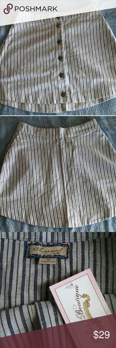 💖 Cute Boutique Striped Skirt NWT 💖 Adorableee navy and cream striped skirt with pockets. Brand new fom a local boutique, still with tags. Brand is Ethereal by Paper Crane. Size Medium. Feel free to leave me any questions! Thanks! Tags: modcloth , j.crew , anthropologie ModCloth Skirts