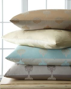 "Charleston Medallion Pillow, 16"" x 23"", Silver - Fino Lino Linen & Lace"