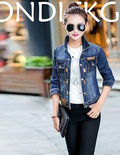 Áo khoác jean thêu chỉ nổi thời trang - A9270 - Màu sắc: Xanh  - Chất liệu: Jean - Xuất xứ: Việt Nam  - Kích thước: Freesize