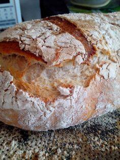 600gr de farinha especial e comum 50% de cada 15 gr de açucar mascavo 15gr de aveia em flocos 15gr de amaranto 5 gr de sal 200g...