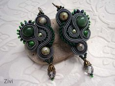 pendientes de soutache en color gris y verde por elrinconcitodezivi