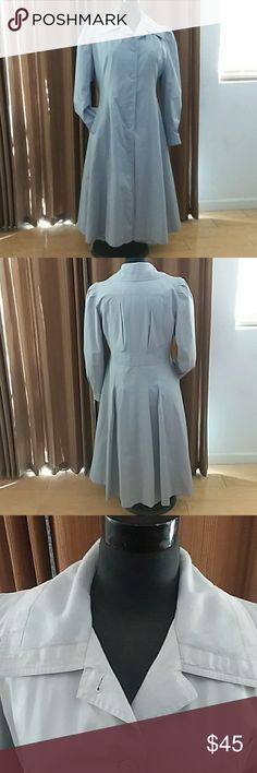 """Vintage J. Gallery Pale Grey Trenchcoat Stylish and Warm! Pale Grey Removeable Lining Missing button, but replaceable button inside Back to Hem:  45"""" Underarm/Underarm: 22"""" Sleeve: 23 1/2"""" MACHINE WASHABLE COAT J. Gallery Jackets & Coats Trench Coats"""