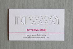 """アメリカのデザイナーTommy Perezさんの名刺は、""""Business in the front, party in the back.(表向きはまじめだけど裏は派手)""""をコンセプトにデザインされたセンス抜群の名刺です。 純白の表面に入れられた切り込みを折り返すと派手な蛍光色の裏面..."""