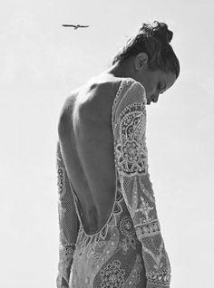 Vestido de novia: espaldas escotadas…   Para ver mas vestidos con espaldas escotadas:  http://www.wedstyle.com.ar/wedstyle/blog/proveedor/vestidos-espalda/