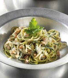 Das Rezept für Zucchini-Spaghetti alla carbonara und weitere kostenlose Rezepte auf LECKER.de