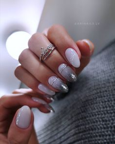 How to make your nails stylish for prom?The gel nails such as coffin nails with sliver color are so nice for prom, so we collected about 20 styles for girls. Cute Nails, Pretty Nails, Hair And Nails, My Nails, Vintage Nails, Uñas Fashion, Almond Acrylic Nails, Nagellack Trends, Oval Nails