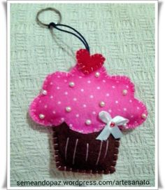 Chaveiro feltro cupcake
