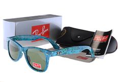 Ray Ban Wayfarer Blue Full Framed Sunglasses