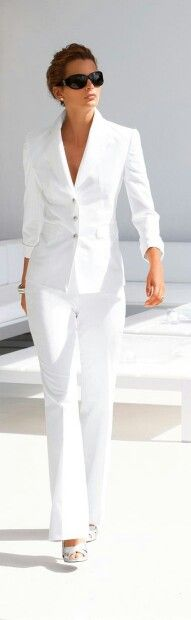 813ca4656 I so want this and have been wanting a winter white suit for a while now.  Classic