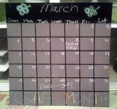 Love this calendar idea using chalkboard paint!