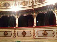 Twitter / @Ainara Garcia: El palco que reservaron a Verdi en su teatro y ¡no vino nunca!