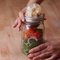 Mason Jar Snack Packs Easy School Lunches, School Lunch Recipes, School Lunch Box, Snack Recipes, Picnic Lunches, Lunch Snacks, Woodworking Projects For Kids, Canning Jars, Healthy Packed Lunches