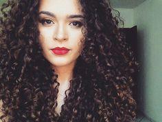 Cachos da @thaisfcavalcante ❤ ADM @beatriz_cheusa #cachinhosdeamor #cachos #intimasdaray #cachosperfeitos #cachinhos #like #admcachos #instahair #curlyhair #negras #cachosbra #cabelos #cacheado #likes #cacheadas #hair #curly #todecacho #black #cachospoderosos #boavistarr #curlygirl #cabeloscacheados #maisfrizzporfavor