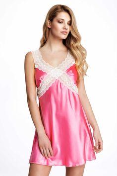Νυχτικό από ύφασμα σατέν και σχέδιο από φάσες δαντέλας. Διακοσμημένο στο πίσω μέρος με μεγάλο σατέν φιόγκο. Σου έρχεται σετ με ασορτί string. #σατεν #νυχτικα #σατεν_νυχτικα #satin #lace #δαντελα #μοδα #babydoll Nightwear, Satin, Tank Tops, Women, Fashion, Moda, Halter Tops, Fashion Styles, Elastic Satin