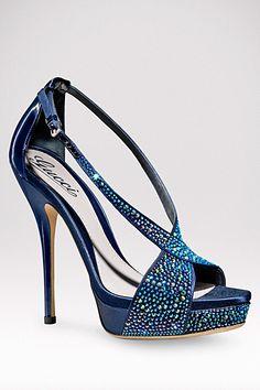 El sueño de toda mujer. http://www.linio.com.mx/ropa-calzado-y-accesorios/calzado-ellas/?utm_source=pinterest_medium=socialmedia_campaign=MEX_pinterest___fashion_zapatos_20130314_20_visible