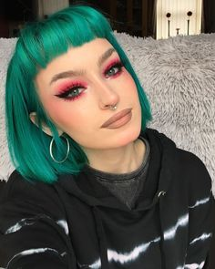 Short Teal Hair, Blue Hair, Neon Hair, Funky Hair, Violet Hair, White Hair, Best Human Hair Wigs, Short Hair Wigs, Red Hair With Bangs