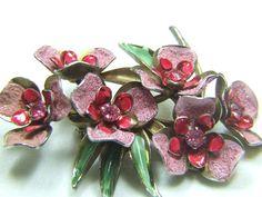 Weiss pink sugarbead enamel and rhinestone vintage jewelry brooch. circa 1940.