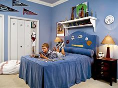 Boys Bedroom - All-Star - paint closet doors to look like lockers MyHomeIdeas.com