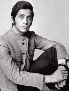 THE PLEASURE OF ITALIAN FASHION  Valentino – Valentino Clemente Ludovico Garavani Though he apprenticed in Paris under Jacques Fath, Balenciaga, Guy Laroche, and Jean Desses, he made the decision to return to Italy. In 1962, he made his international debut in Florence. He was considered the undisputed king of Italian fashion designers around the mid-1960s.