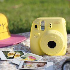 Appareil photo, Instax mini 8, jaune : Le sport au féminin FujiFilm - Le Bon Marché Rive Gauche
