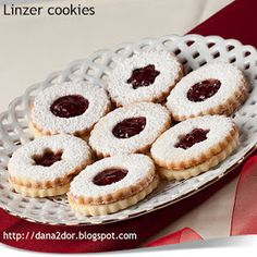 Cookie Recipes, Dessert Recipes, Christmas Party Food, Christmas Eve, Linzer Cookies, Romanian Food, Homemade Cakes, Sweet Tooth, Bakery