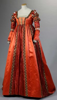 Gown worn by Lotte Verbeek in the role of Giulia Farnese in the TV series The Borgias Designed by Gabriella Pescucci for Tirelli Costumi. Gown worn by Lotte Verbeek in the role of Giulia Farnese in the TV series Italian Renaissance Dress, Renaissance Costume, Renaissance Clothing, Renaissance Fashion, Medieval Dress, Tudor Dress, Steampunk Clothing, Old Dresses, Vintage Dresses