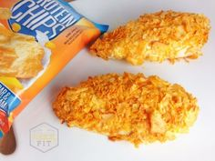 Incredibly easy and amazingly delicious! This Quest Nutrition Crispy Cheddar Chicken recipe by FantasticallyFit will have you smiling with every crunchy bite. Crispy Cheddar Chicken, Crispy Chicken Recipes, Oven Baked Chicken, Chicken Batter, Keto Chicken, Healthy Chicken, Clean Recipes, Snack Recipes, Cooking Recipes