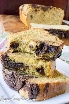 This Chocolate Peanut Butter bread is keto, gluten free, grain free, sugar free and low carb, and you won't believe how fabulous the texture is! Chocolate and Peanut Butter. Peanut Butter and choco… Chocolate Sin Gluten, Low Carb Chocolate, Chocolate Muffins, Chocolate Cake, Low Carb Deserts, Low Carb Sweets, Keto Foods, Bolos Low Carb, Peanut Butter Bread