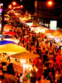 Chaing Mai Night Market- It was close to our hotel. Thailand Honeymoon, Thailand Travel, Asia Travel, Laos, Oh The Places You'll Go, Places To Visit, Krabi Town, One Night In Bangkok, Chaing Mai