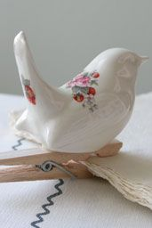 pretty little bird for pegging up artworks, fabric, etc
